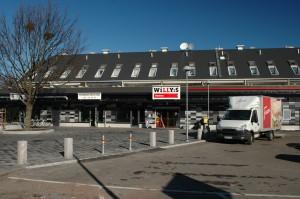 Nära till nyombyggda lilla lokala Påvelunds Centrum